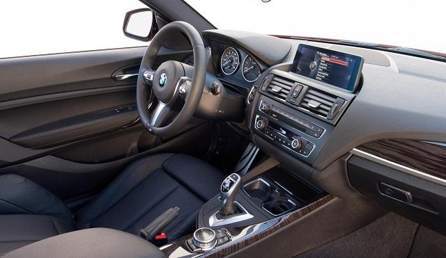 2016-BMW-M2-interior