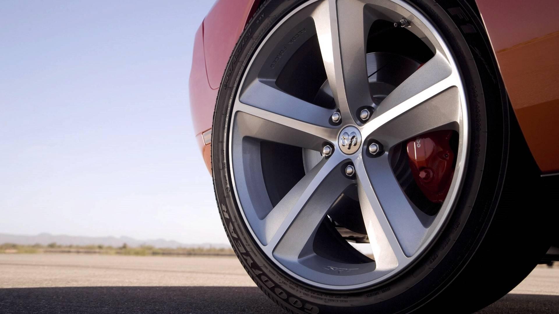 Bir arabada lastik arabanızın güvenli sürüşünü veren mühim parçalarından biridir 1
